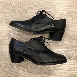 Vintage Longchamp Leather Heeled Oxfords Sz 35.5